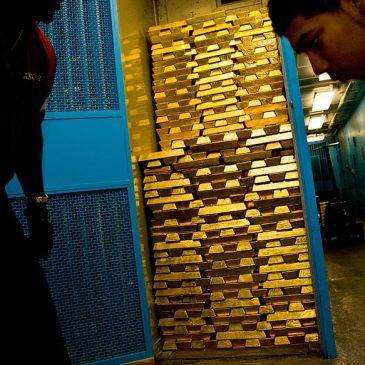 Una visita a las cámaras acorazadas con oro de Credit Suisse y del Banco de Inglaterra
